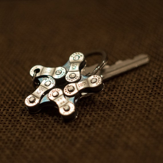 Star Keychain, Circle Keychain, Triangle Keychain, Metal Keychain, Unique Keychain, Bicycle Chain Keychain, Bike Keychain, Cyclist Gift