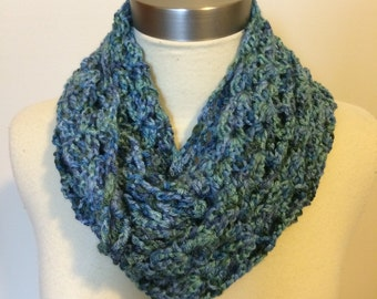 Blue and Green Cowl - Blue and Green Infinity Scarf - Crochet Cowl - Blue Scarf - Aqua Loop Scarf - Chunky Knit Scarf - Chunky Cowl