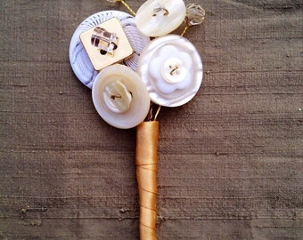 Button buttonhole, boutonniere, corsage in ivory and gold, for Groom, Best Man, Mother of the Bride, Father of the Bride, UK seller