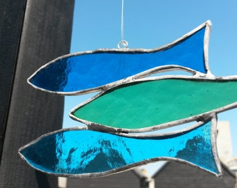 "Fabulous Three Fish ""Sprats"" Glass Suncatcher in Blues & Greens"