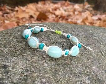 Aquamarine stone & wood hemp bracelet