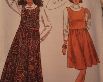 Simplicity 7987 women's dress pattern