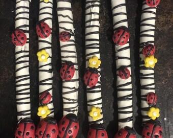 12 lady bug inspired pretzel rods