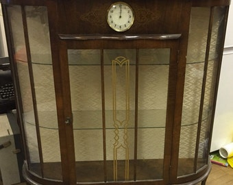 Beautiful 1940s display cabinet with clock