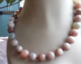 One strand beaded smooth polished sandstone necklace