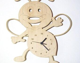 "Wooden wall clock - ""Baby Bee"""