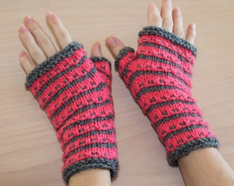 Gray and pink knit fingerless gloves