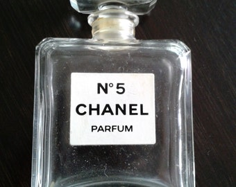 items similar to chanel no 5 parfum acrylic painting on etsy. Black Bedroom Furniture Sets. Home Design Ideas