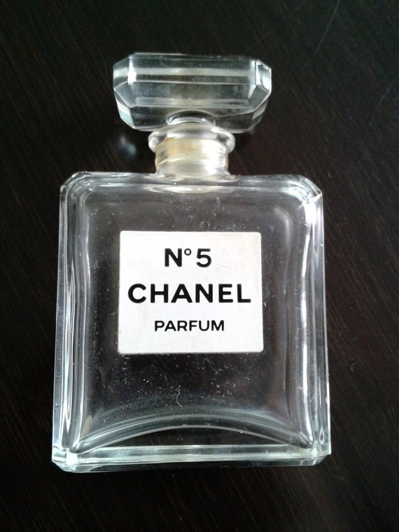 chanel no 5 parfum bottle with original box made in france. Black Bedroom Furniture Sets. Home Design Ideas