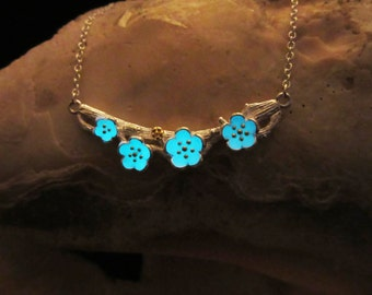 Flower silver necklace glow in the dark
