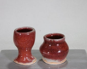 Pair of miniature Chinese Red stoneware ceramic pots suitable for  dollhouse: Goblet and asymmetric vase