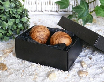 Anti-stress balls in a box, set of 2