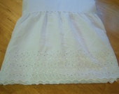 Vintage full size white eyelet dust ruffle/Cotton and polyester blend/Bedding/Bed & breakfast/Cottage chic/Shabby chic