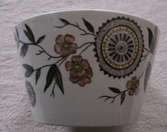 lovely small bowl, Alaska pattern