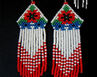 Beaded earrings, seed bead earrings, modern earrings, fringe earrings, beadwork jewelry, earrings with poppies and cornflowers, сережки