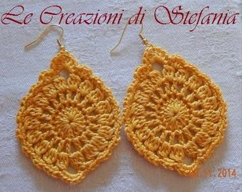 Sunny yellow pendants