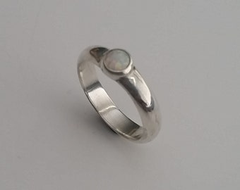 Sterling Silver, ring, 5 mm, opal, size 7,