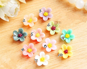10pcs Plum Blossom Flowers Cabochons Colorful Resin Flowers Cameo Flat Back  12mm rf09