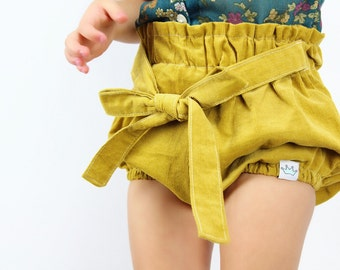 Mustard corduroy baby bloomers / Baby girl bloomers / Toddler girl bloomers / Baby girl shorts / Baby girl fashion / Baby girl clothes