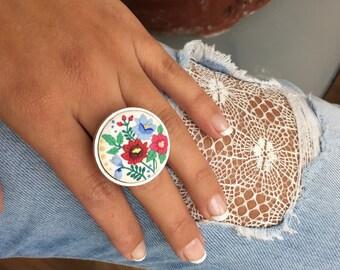 Anillo flores del jardin. Hecho a mano arcilla polimérica. Polymer clay flowers ring.