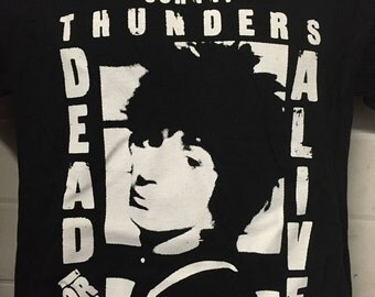 JOHNNY THUNDERS DEAD or alive shirt