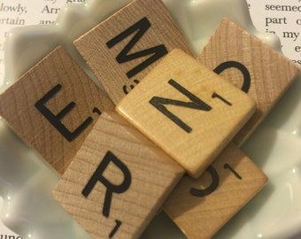 7 pcs - Random Scrabble Tiles