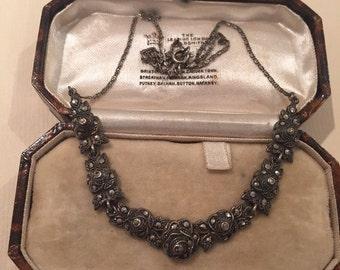 Vintage Silver Flower Necklace stunning piece