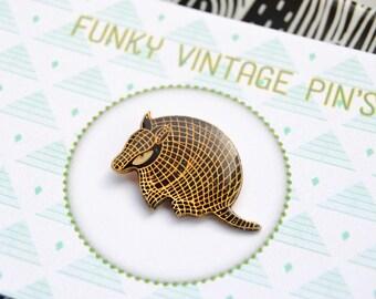 Pins Armadillo - animal Pins - Pins vintage 80s - collar pin collar jewel - enamel brooch - Brooches grunge - funky - rock Pins