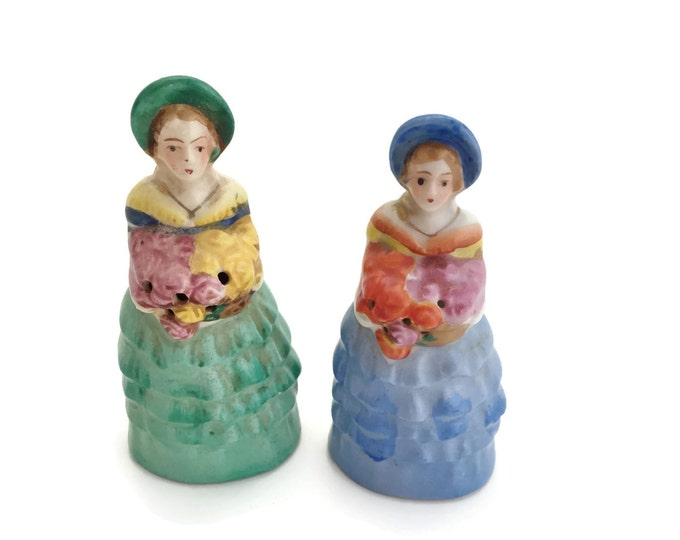 Salt and Pepper Shakers, Vintage Salt and Pepper Shakers, Country Kitchen, Collectible Salt and Pepper Shakers