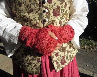 Cormo Wool & Silk Blend Fishtail Mitts in Royal