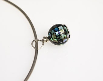 Necklace, sterling silver, Paua abalone