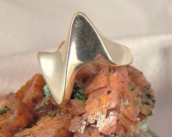Sterling Modernist Ladies Ring