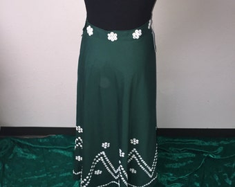 Vintage 1960's skirt with button detail. S/M