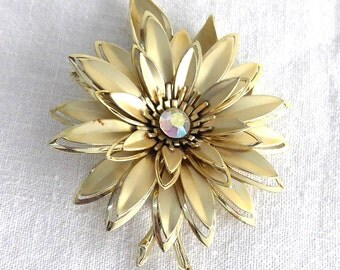 Statement Brooch Large Gold Flower Pin 1960s Aurora Borealis Rhinestone Center Figural Daisy