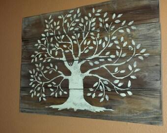 Pallet tree wall hanging