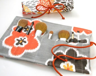 FREE SHIPPING - Makeup Brush roll // Travel Makeup Brush Roll // Printed Cotton Makeup Brush Case