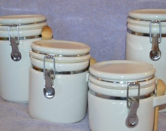 Ceramic White Storage 4-Canister Set w/ Spring Closure & Spoon With Spoon Holder