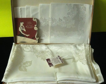 Vintage Unused Tablecloth and 6 Napkins in Original Box with Tags