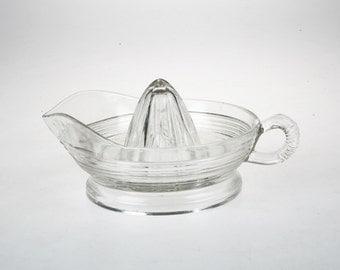 Clear Glass Vintage Juicer - Orange or Lemon Juicer - Vintage Juice Reamer