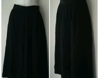 Vintage Women's Pleated Black Vintage Pencil Skirt with Pockets Size 8 by Norton McNaughton
