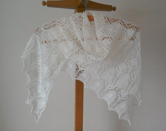 Lace shawl/wedding shawl/ivory lace shawl