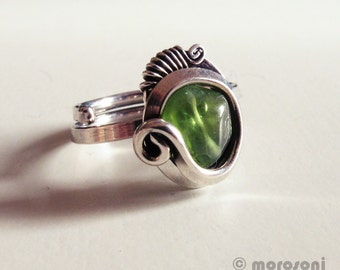 Ring ethnic peridot - adjustable - tackle old silver - green
