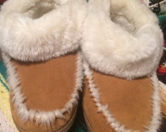 Sale Vintage leather Minnetonka women's sz 8 moccasin/slippers/