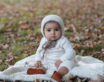 UK Seller, 6-9 month Bonnet - Sitter Bonnet, Cuddly and Chunky, Photography Prop, 6-9 month Boy, 6-9 month Girl, Hand Knitted, Handmade.