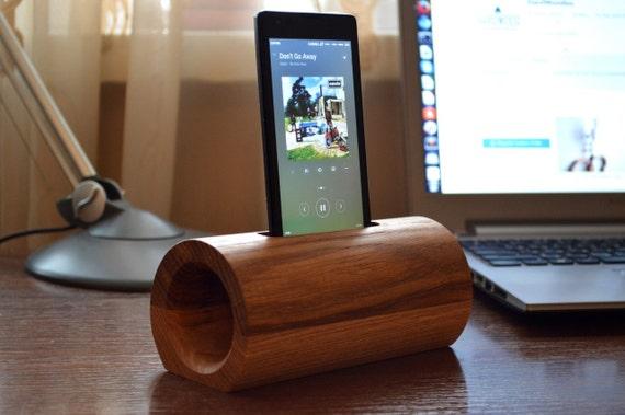 Wooden phone speaker / iPhone speaker / Samsung speaker