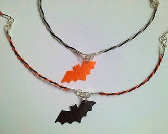 Recycled plastic bottles Bat necklace ecofriendly upcycled handmade jewelery Halloween by RecuperArte