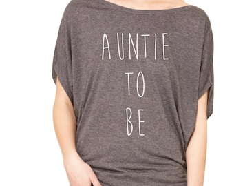 Auntie To Be Shirt. Auntie Gift. Auntie Shirt. Future Aunt. Gift for New Aunts. New Auntie Pregnancy Reveal Shirt.