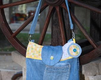 Denim bag with keychain