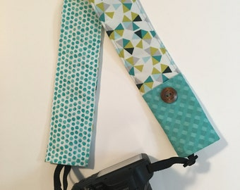 Camera Strap Cover - DSLR Camera Strap with Pocket - Padded Camera Strap Cover - Photographer Gift- Camera Accessory