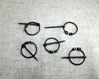 Small medieval Brooch, Set of 5, Reenactment, LARP, Cloak pin, Iron wire